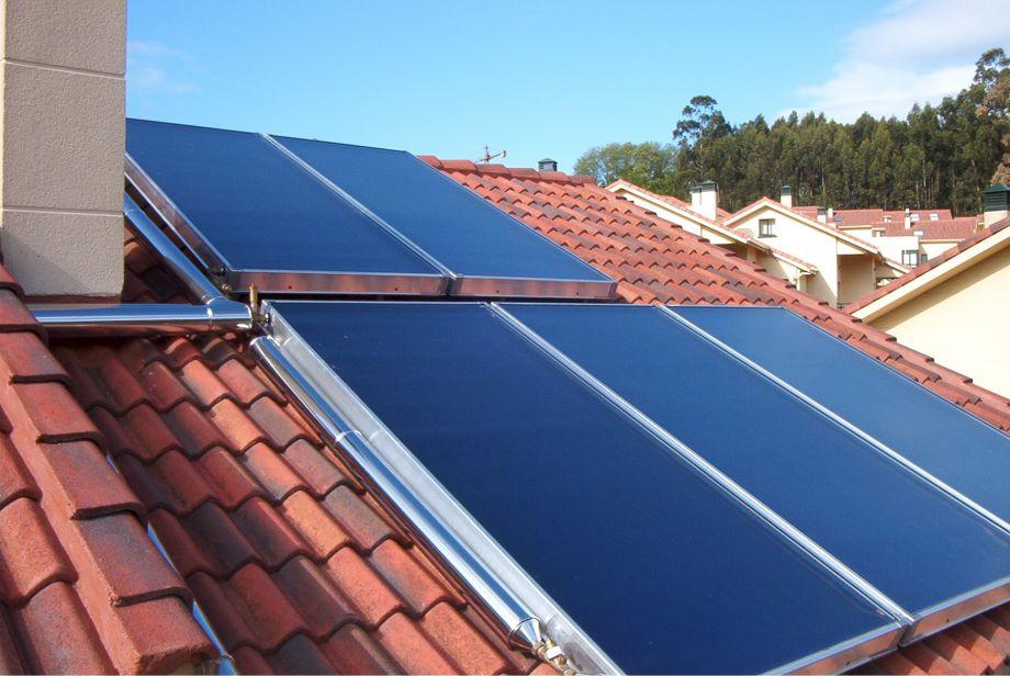 Procesul de instalare a panourilor solare