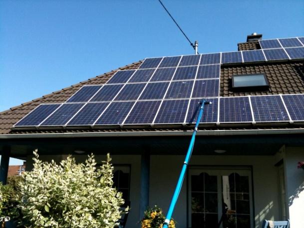 Cat de des ar trebui curatate panourile solare?